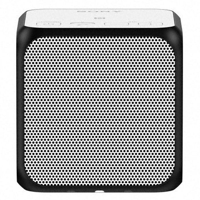 Sony SRS-X11, White портативная акустическая системаSRSX11W.RU7Двойные пассивные излучатели для создания отличных басов даже в компактном корпусе. Два пассивных излучателя находятся с правой и левой стороны компактного корпуса в форме куба. Благодаря давлению воздуха, полученное от динамиков мощностью 10 Вт, эти излучатели обеспечивают достойное звучание басов, несмотря на скромные размеры Sony SRS-X11. Прослушивание в одно касание для мгновенного воспроизведения музыки. Благодаря технологии NFC (Near Field Communication) больше не нужны ни провода, ни сложные подключения. Достаточно приложить смартфон или другое NFC-совместимое устройство к N-метке на корпусе, и сразу же начнется воспроизведения музыки. Нет NFC? Ничего страшного. Сопряжение можно также установить вручную в разделе настроек Bluetooth. Используйте два устройства одновременно для создания стереозвука или равномерно распределенного звучания. Подключив два устройства Sony SRS-X11 по Bluetooth, вы можете выбрать воспроизведение в...