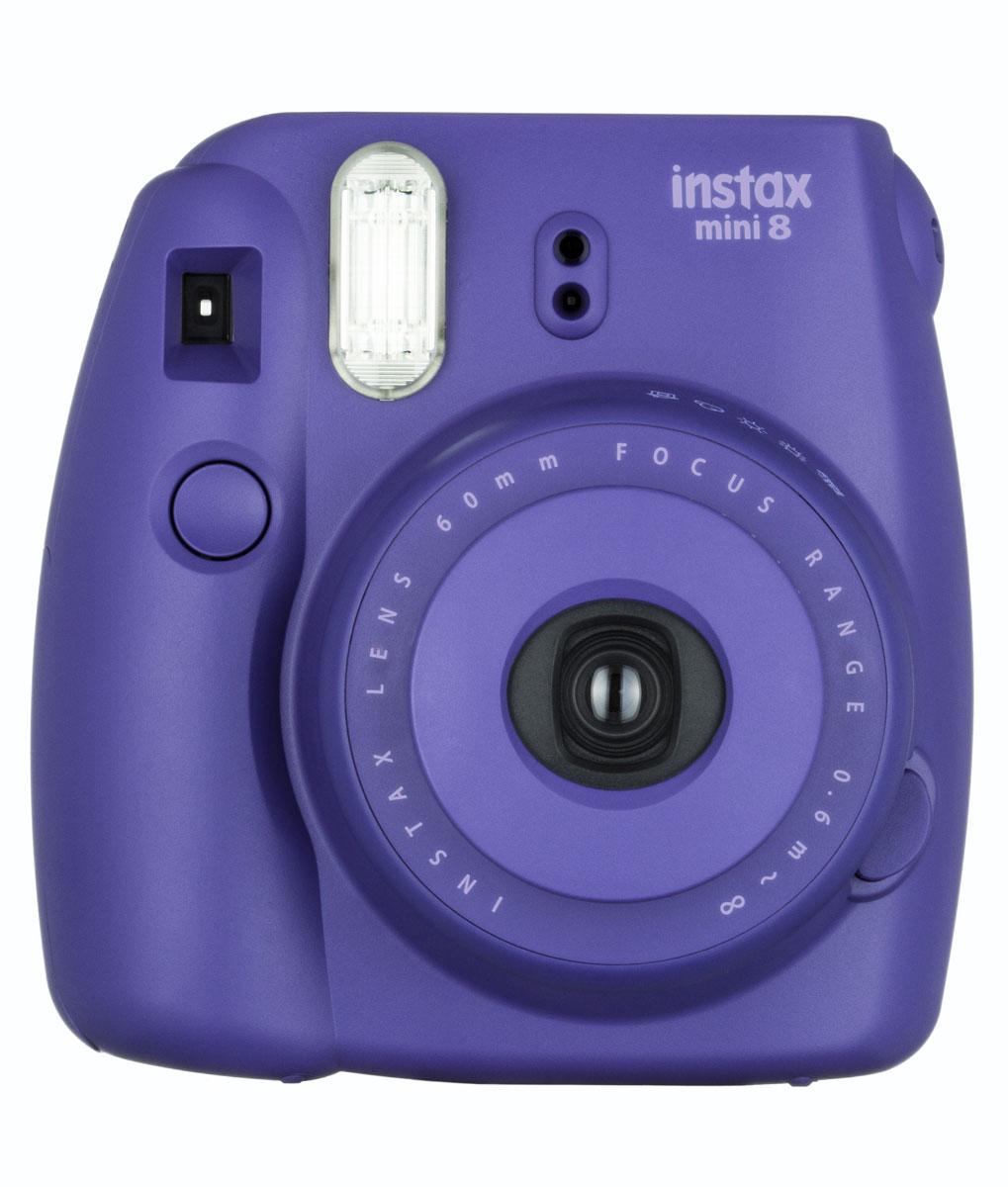 Fujifilm Instax Mini 8, Grape фотокамера мгновенной печатиINSTAX MINI 8Камера с технологией моментальной печати Fujifilm Instax Mini 8 позволяет печатать фотографии размера визитной карточки сразу после съемки. Обладая теми же конструктивными и эксплуатационными характеристиками, что и Instax mini 7S, Instax mini 8 примерно на 10% меньше mini 7S по объему корпуса. Процесс кадрирования стал проще благодаря видоискателю, который передает четкую картинку в реальном времени (даже при съемке под углом) и отличается более наглядной центральной меткой. К функциям съемки добавлен режим High-key - повышение диафрагмы на 2/3 ступени. Чтобы сделать фотографию с яркими и мягкими цветами, которые так полюбились девушкам, достаточно прокрутить диск в режим High-key. С момента своего выхода в свет в 1998 году камера Instax mini стала очень популярной благодаря простому управлению, остроумному дизайну и удивительному качеству снимков. Судя по тому, насколько распространен в наше время обмен цифровыми фотографиями, способов...