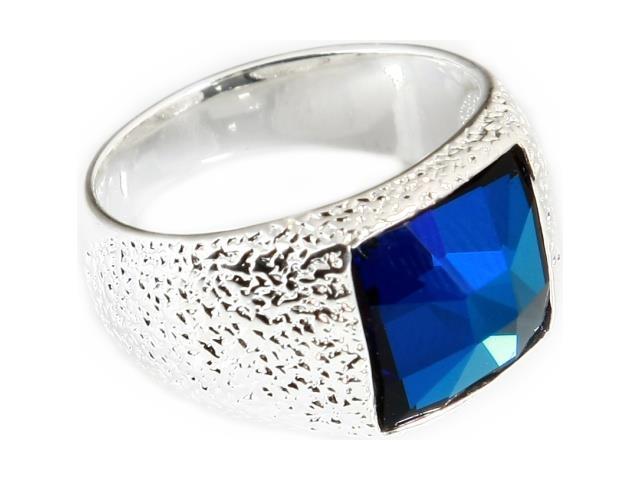 Кольцо Jenavi Коллекция Тайны вселенной Алудра, цвет: серебряный, голубой. b833f040. Размер 18b833f040Коллекция Тайны вселенной, Алудра (Кольцо) гипоаллергенный ювелирный сплав,Серебрение c род. , вставка Кристаллы Swarovski , цвет - серебряный, голубой, размер - 18 избегать взаимодействия с водой и химическими средствами