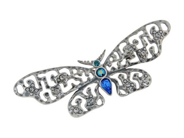 Брошь Jenavi Дайна, цвет: серебряный, голубой. e8443670e8443670Стильная брошь Jenavi Дайна выполнена в виде порхающей ажурной бабочки из ювелирного сплава, которая дополнена вставками из кристаллов Swarovski. Изделие застегивается на английскую булавку. Оригинальная брошь Jenavi Дайна придаст вашему образу изюминку, подчеркнет красоту и изящество вечернего платья или преобразит повседневный наряд.