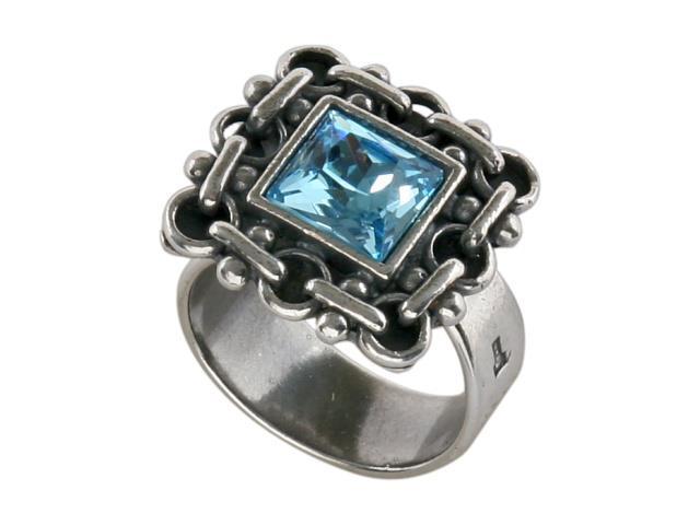 Кольцо Jenavi Меган, цвет: серебряный, голубой. h0493040h0493040Элегантное кольцо Jenavi Меган выполнено из гипоаллергенного ювелирного сплава, оформлено декоративным элементом, который дополнен граненым кристаллом Swarovski. Стильное кольцо придаст вашему образу изюминку, подчеркнет индивидуальность.