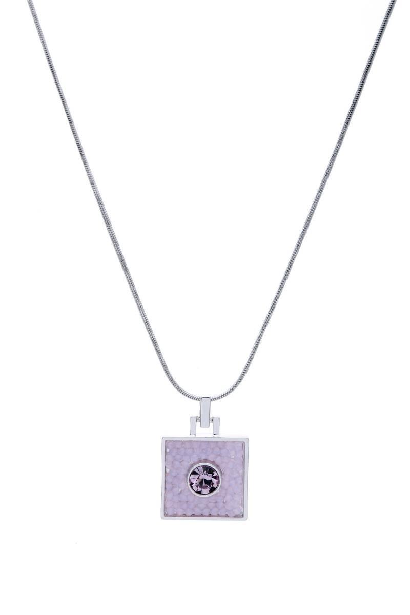 Кулон Jenavi Майлон, цвет: серебряный, светло-розовый. j938f910j938f910Оригинальный кулон Jenavi Майлон, изготовленный из гипоаллергенного материала, представляет собой тонкий жгут-цепочку из ювелирного сплава с антиаллергическим покрытием серебром с родием, который дополнен стильным декоративным элементом квадратной формы, инкрустированным кристаллами Swarowski. Кулон застегивается на карабин и оснащен цепочкой для регулирования размера. Такой оригинальный кулон не оставит равнодушной ни одну любительницу изысканных и необычных украшений, а также позволит с легкостью воплотить самую смелую фантазию и создать собственный, неповторимый образ. Для того, чтобы украшение сохранило первозданный блеск, рекомендуется избегать взаимодействия с водой и химическими средствами.