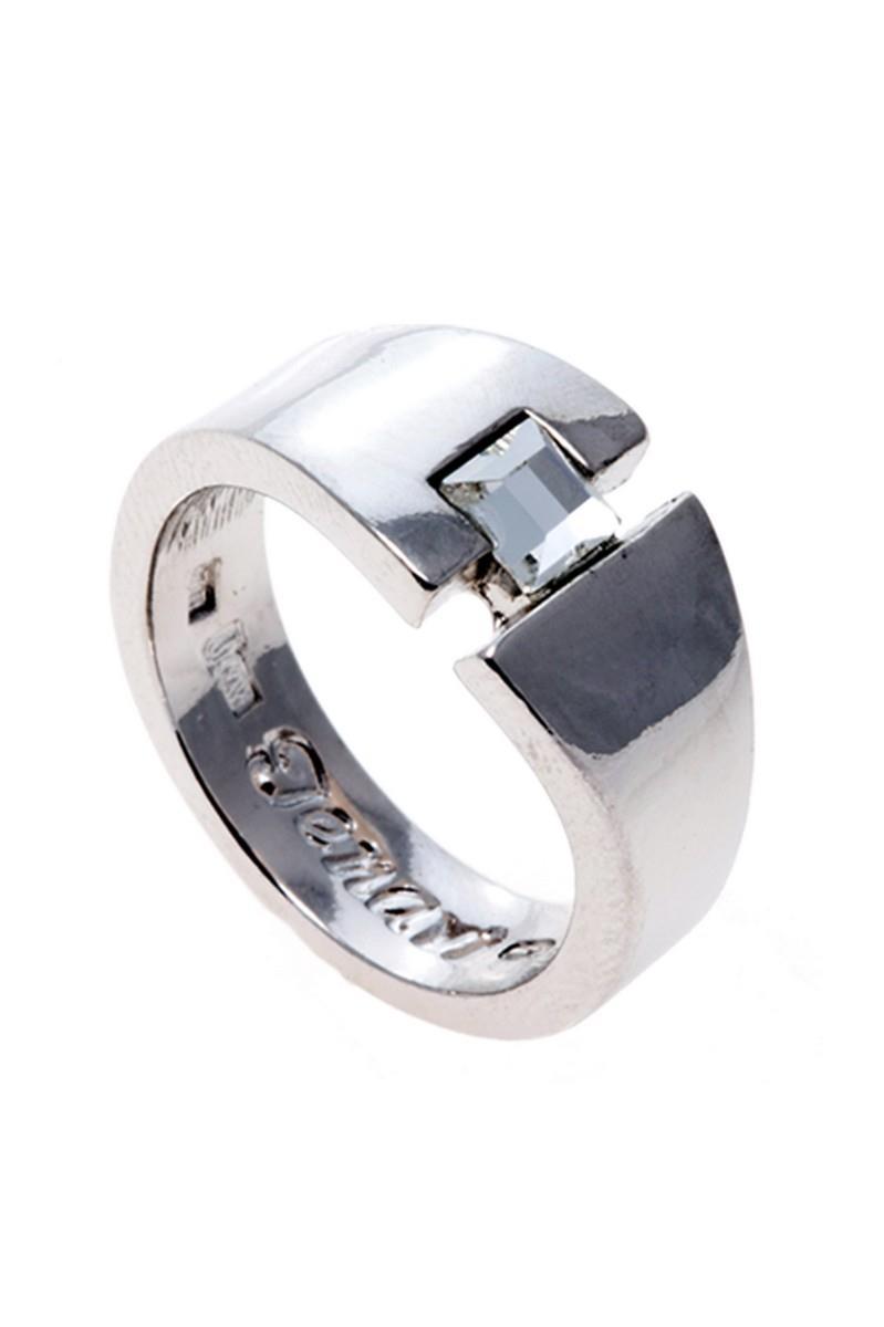 Кольцо Jenavi Номина, цвет: серебряный, белый. r847f000. Размер 17r847f000Элегантное кольцо Jenavi Номина выполнено из гипоаллергенного ювелирного сплава, оформлено граненым кристаллом Swarovski. Стильное кольцо придаст вашему образу изюминку, подчеркнет индивидуальность.
