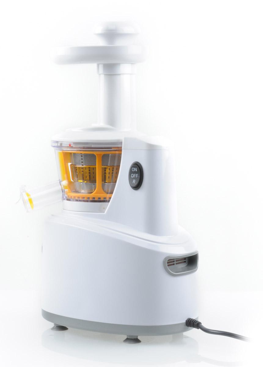 Kitfort KT-1101-1, White шнековая соковыжималкаKT-1101-1Соковыжималка КТ-1101 оснащена мощным двигателем постоянного тока, имеющим хорошие тяговые характеристики, и понижающим редуктором. В редукторе использованы стальные шестерни, обладающие повышенными эксплуатационными характеристиками по сравнению с пластмассовыми. Шнек отлит из специального ультрапрочного материала, который хорошо выдерживает большие нагрузки, возникающие при отжиме. Фильтр-сетка выполнен из нержавеющей стали, что делает его прочным и не подверженным коррозии. Ножки соковыжималки выполнены из демпфирующего материала с присосками, которые надежно удерживают соковыжималку на столе. В прилагаемой брошюре рассказывается о технологиях получения и видах соков, их полезных свойствах, а также приведены рецепты для приготовления смесей и коктейлей из соков. Напряжение: 220 В, 50 Гц Скорость вращения вала: 120 об/мин Максимальное время непрерывной работы: 10 минут