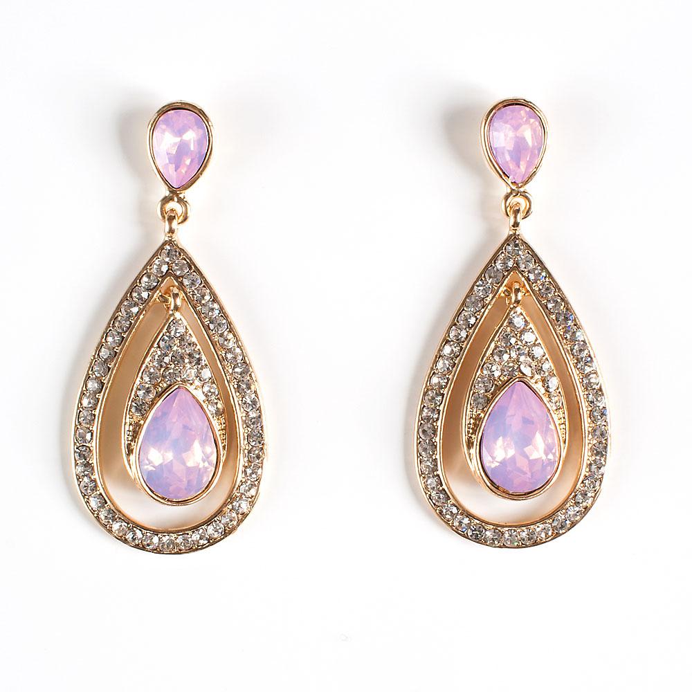 Серьги Selena Brilliance, цвет: золотистый, светло-розовый. 2008868020088680Роскошные серьги Selena Brilliance выполнены из металла с золотистым покрытием. Серьги инкрустированы кристаллами Preciosa. Застегиваются серьги на замок-гвоздик с заглушками. Такие серьги позволят вам с легкостью воплотить самую смелую фантазию и создать собственный, неповторимый образ.