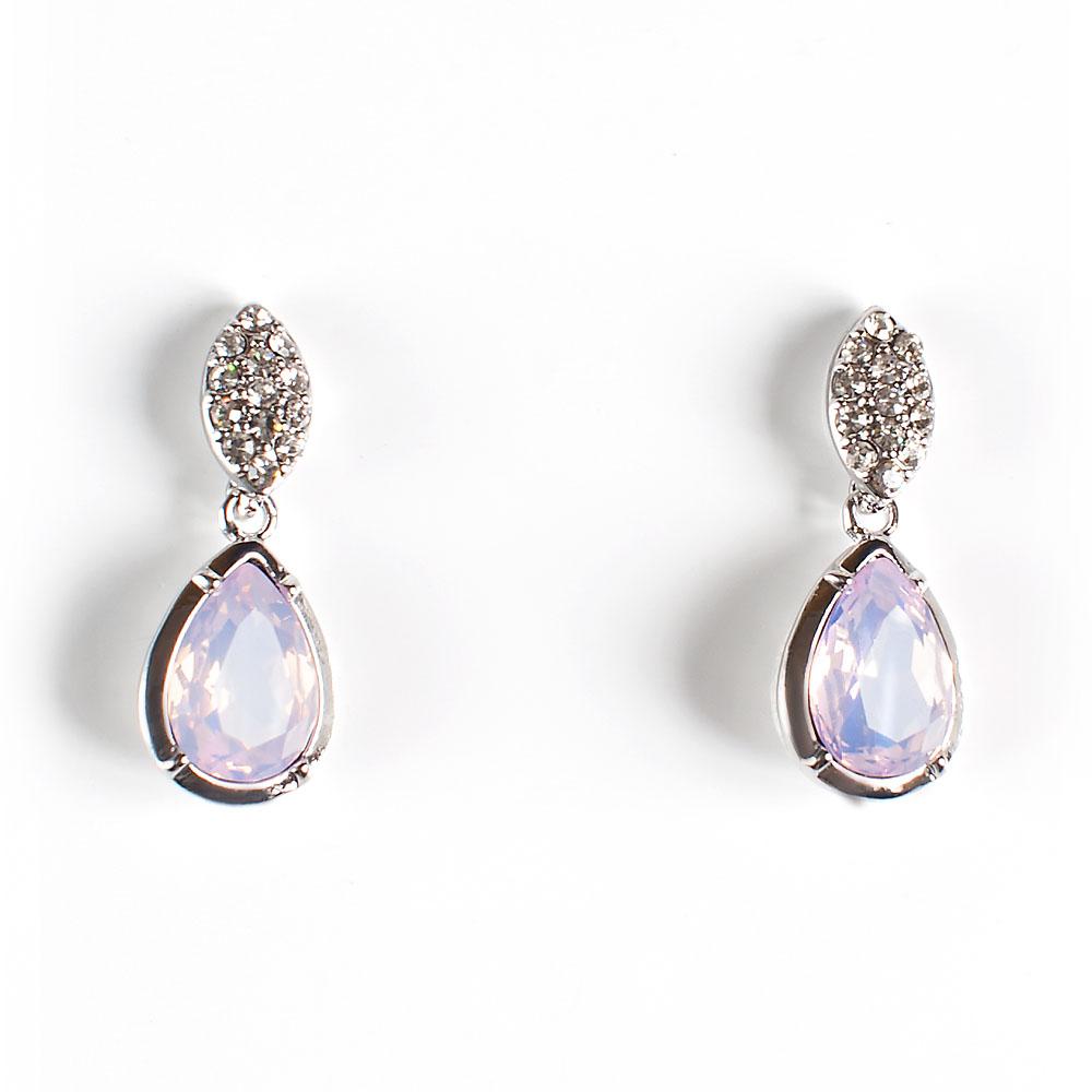 Серьги Selena Brilliance, цвет: серебристый, светло-розовый. 2008880020088800Роскошные серьги Selena Brilliance выполнены из металла с родиевым покрытием. Серьги инкрустированы кристаллами Preciosa. Застегиваются серьги на замок-гвоздик с заглушками. Такие серьги позволят вам с легкостью воплотить самую смелую фантазию и создать собственный, неповторимый образ.