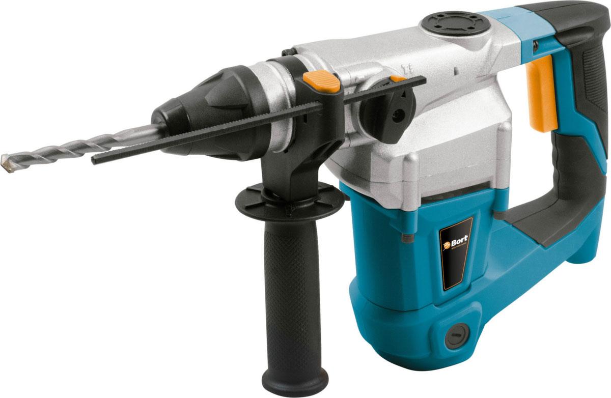 Перфоратор BHD-1000-TURBO98296594Перфоратор Bort BHD-1000-TURBO – мощный инструмент для сверления и долбления. Он имеет 3 режима работы (сверление, сверление с ударом и долбление), что делает его универсальным и значительно облегчает работу в некоторых ситуациях. Одна из особенностей модели – мощный двигатель на 800 Вт. Благодаря ему, энергия удара составляет 3,5 Дж и вы можете сверлить отверстия диаметром до 26 мм в бетоне, до 13 мм в металле и до 40 мм в дереве! Вертикальная компоновка сильно увеличивает надежность и выносливость инструмента. Специально для удобства продолжительных работ рукоятка имеет резиновую накладку. Кроме того, в комплекте идет боковая рукоятка и глубиномер. Инструмент продается вместе с кейсом для хранения и транспортировки. Функциональные особенности: мощный двигатель ;3 режима работы ;функция реверса ;рукоятка с эластичной накладкой Конструктивные особенности: боковая рукоятка ;глубинометр ;буры по бетону ;кейс