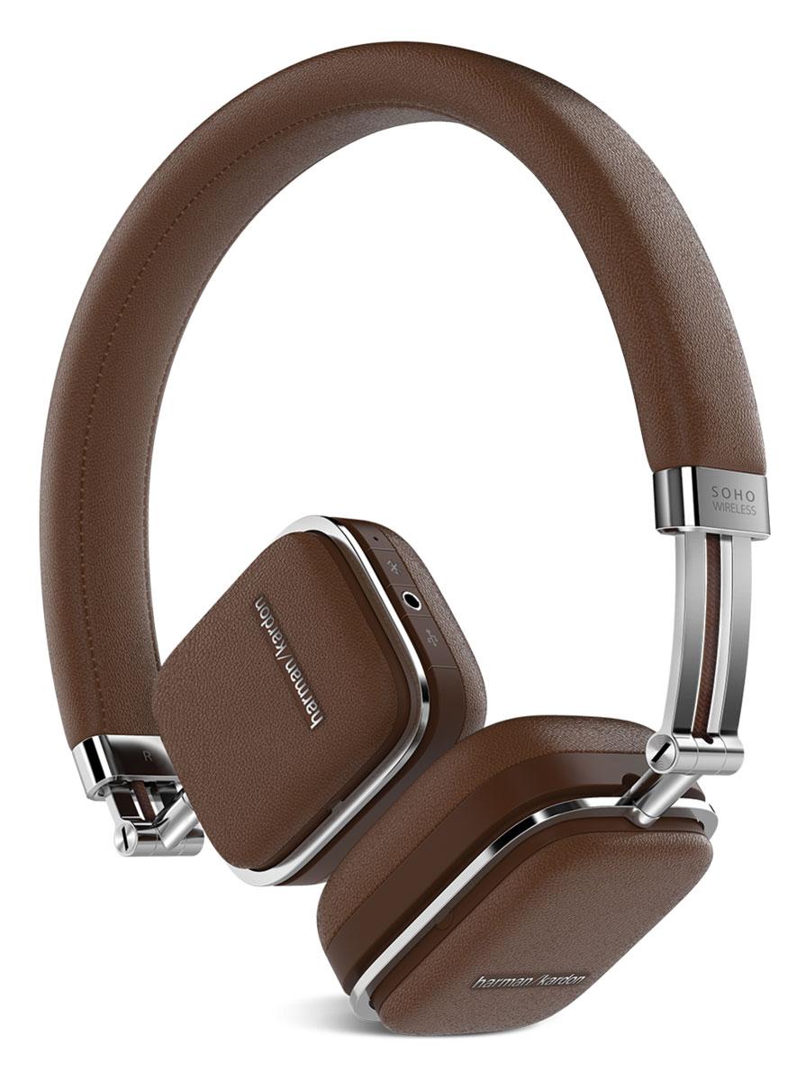 Harman Kardon Soho Wireless, Brown наушникиHKSOHOBTBRNПремиальные складные наушники Harman Kardon Soho Wireless, выполненные из высококачественной стали и отделанные натуральной кожей, обзавелись беспроводной технологией Bluetooth, датчиком NFC и сенсорным управлением, которое расположилось на одной из чашек. Звучание осуществляется через 30-мм неодимовые драйверы, заслужившие доверие меломанов по всему миру. Быстрая связь с мобильными устройствами настраивается путем технологии NFC, потоковая передача данных осуществляется по Bluetooth с помощью задействованных кодеков aptX и AAC. Управлять Harman Kardon Soho Wireless очень просто - достаточно прикоснуться к чашке и отрегулировать громкость музыки, переключиться от одного трека к другому или приостановить воспроизведение. Когда встроенный аккумулятор разряжается, наушники продолжат работу через комплектный кабель, подключаемый через USB, одновременно подзаряжаясь от мобильного устройства. Мгновенный доступ к удаленным функциям так близок. Достаточно...