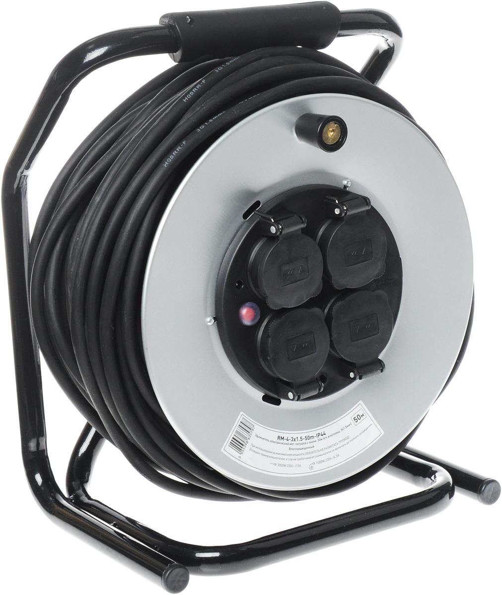 Удлинитель силовой ЭРА RM-4-3x1.5-50m-IP44, на катушке, влагозащищенный, 4 гнезда, 50 мRM-4-3x1.5-50m-IP44Силовой удлинитель ЭРА RM-4-3x1.5-50m-IP44 позволяет подключить несколько потребителей к одной электрической розетке, а также обеспечит защиту сети и оборудования в случае перегрузки. За счет большой длины кабеля незаменим на садовом участке, при проведении строительных и ремонтных работ. Силовой удлинитель имеет степень защиты IP44 и снабжен защитными шторками и защитными крышками, закрывающими электрические контакты от попадания пыли и влаги. 3 медные жилы сечением 1,5 мм2 обеспечивают допустимую максимальную мощность нагрузки в 3000 Вт. Сечение жилы провода является ключевым элементом качества силового удлинителя. Резиновая изоляция (неопрен) провода позволяет эксплуатировать удлинитель в широком диапазоне температур от -25°С до +60°С. Рама катушки и барабан выполнены из металла, что позволяет добиться максимальной механической прочности и долговечности конструкции. Блок с розетками выполнен из полипропилена и поликарбоната - устойчив к механическим...