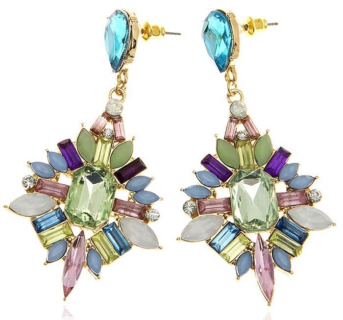 Серьги-пусеты Игристые кристаллы. Цветные кристаллы, стразы, пластик, бижутерный сплав золотого тона. Гонконгj702f110Серьги-пусеты Игристые кристаллы. Цветные кристаллы, стразы, пластик, бижутерный сплав золотого тона. Гонконг. Размер: 7 х 3,5 см. Сохранность превосходная, изделие новое.