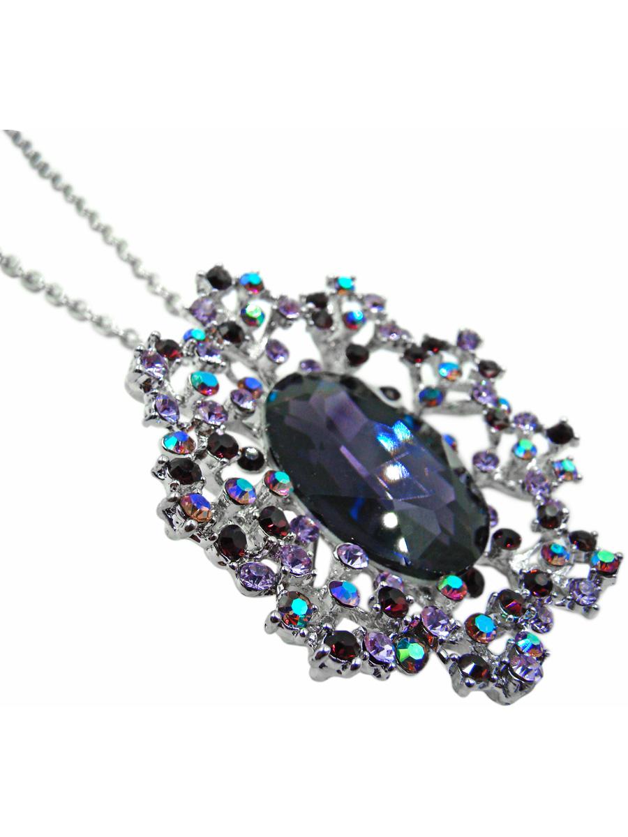 Подвеска Taya, цвет: серебристый, фиолетовый. T-B-10349T-B-10349Стильная подвеска Taya выполнена из ювелирного сплава серебристого цвета. На мелкой цепи якорного плетения располагается брошь-кулон в виде волшебного цветка с огромным кристаллом глубокого фиолетового цвета в центре. Сам кристалл утоплен в лепестках, собранных из страз сиреневых оттенков. Можно снять кулон и использовать в виде броши на платок, на головной убор или на жакет. Очаровательная подвеска Taya поможет создать уникальный и запоминающийся образ.