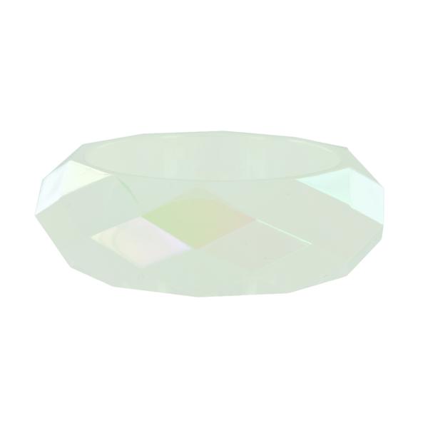 Браслет Taya, цвет: опал. T-B-5835T-B-5835Стильный браслет Taya, изготовленный из гипоаллергенного материала, выполнен из граненного пластика. Такой оригинальный браслет не оставит равнодушной ни одну любительницу изысканных и необычных украшений, а также позволит с легкостью воплотить самую смелую фантазию и создать собственный, неповторимый образ.