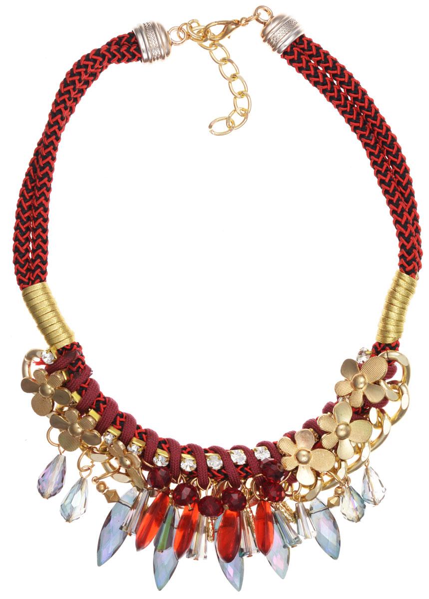 Колье Taya, цвет: красный, золотой. T-B-8989T-B-8989-NECK-REDЭлегантное колье Taya, выполнено в виде текстильной основы, которая оформлена элементами из бижутерийного сплава и стекла. Центральная часть изделия дополнена декоративными элементами в форме ромашек, гранеными бусинами разных размеров и форм, цепочкой с классическим плетением. Изделие застегивается на практичный замок-карабин, длина регулируется за счет дополнительных звеньев. Стильное колье придаст вашему образу изюминку, подчеркнет индивидуальность.