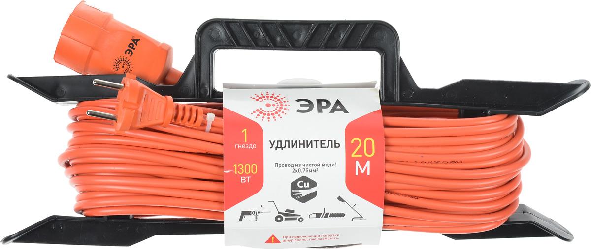 Удлинитель силовой ЭРА UF-1-2x0.75-20m, с рамкой, 1 гнездо, 20 мUF-1-2x0.75-20mСиловой удлинитель ЭРА UF-1-2x0.75-20m предназначен для бытового применения и обеспечивает возможность присоединения электрического приемника к однофазной электрической сети с номинальным напряжением 220В. За счет большой длины кабеля незаменим на садовом участке, при проведении строительных и ремонтных работ. Провод выполнен из чистой меди. Удлинитель оснащен пластиковой рамкой с ручкой. Технические характеристики: Сечение провода: 2 х 0,75 мм2. Номинальное напряжение: 220В. Максимальное напряжение: 250В. Максимальная нагрузка с размотанным шнуром: 650 Вт. Максимальная нагрузка со смотанным шнуром: 1300 Вт. Наличие заземляющего контакта: нет. Температура эксплуатации: от +5°С до +40°С. Относительная влажность: не более 85%. Срок службы: 5 лет.