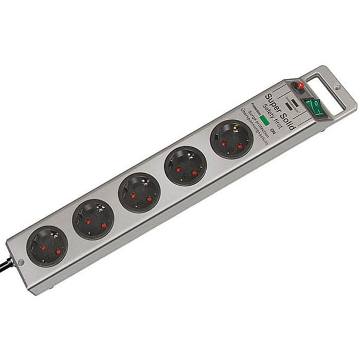 Brennenstuhl Super-Solid сетевой фильтр 5 розеток 4500 A, Silver1153340315Сетевой фильтр на 5 розеток Brennenstuhl Super-Solid защищает оборудование от скачков напряжения. Гнезда изготовлены из прочного пластика Двухполюсный выключатель с подсветкой Заземленные розетки Розетки расположены под углом 45° что позволяет подключать крупные штекеры и блоки питания Возможность крепления фильтра к стене Удобное расположение кнопки включения и кабеля Нескользящие резиновые накладки на нижней части корпуса Надёжная защита от помех и скачков напряжения до 4500 А Тип кабеля: H05VV-F 3G1,5