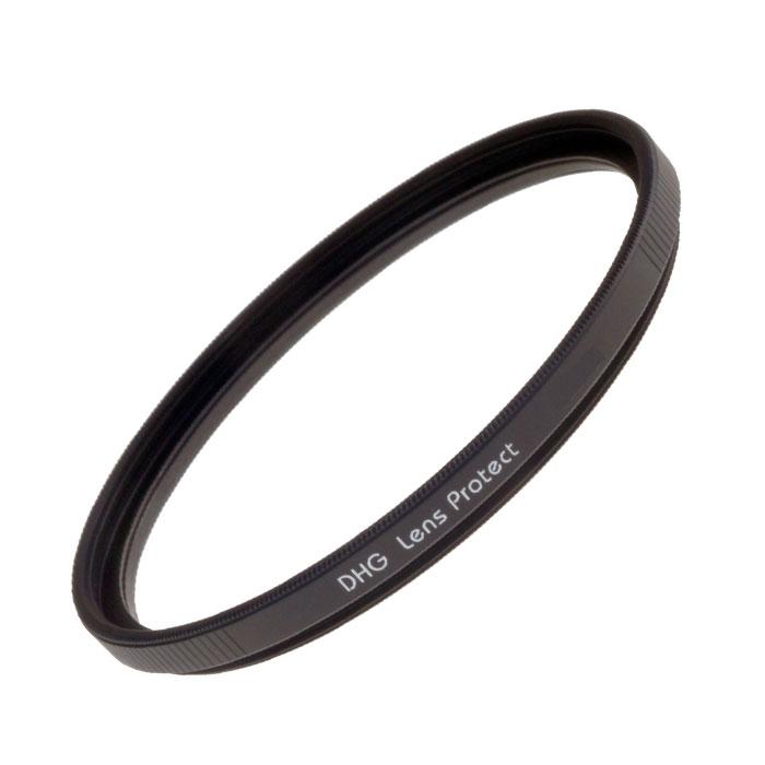 Marumi DHG Lens Protect ультрафиолетовый светофильтр (67 мм)DHG Lens ProtectMarumi DHG Lens Protect - это ультрафиолетовый защитный фильтр постоянного ношения. Упрочненное просветление для защиты от царапин и пыли. Выпускается в узкой оправе, что особо рекомендовано для уменьшения виньетирования при работе с широкоугольными объективами. Серия DGH (Digital High Grade - цифровые высокого класса) - ответ на требования фотографии цифровой эры. Специализированные светофильтры созданные для цифровых фотокамер. Специальное просветление для цифровой оптики. Сверхнизкий коэффициент отражения покрытия, разработанного заново, снижает появление ненужных бликов и засветок к минимуму. Задерживает УВ и ИК лучи, вредные для матрицы. DHG-покрытие пропускает отражённые от матрицы цифрового фотоаппарата лучи света, уничтожая саму возможность появления бликов от внутренних поверхностей оптики и механики. Чернение внешнего края линзы. Применяемое впервые, чернение закраины линзы фильтра сводит на нет внутренние переотражения. ...