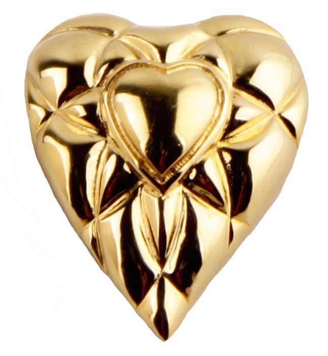 Брошь Сердце. Бижутерный сплав. Франция, конец ХХ векаk320p606Брошь Сердце. Бижутерный сплав. Франция, конец ХХ века . Размер броши 4 х 3 см. Сохранность хорошая. Брошь выполнена в виде сердца из метала золотого цвета. . Брошь станет стильным украшением для творческой натуры и гармонично дополнит Ваш наряд, станет завершающим штрихом в создании образа.
