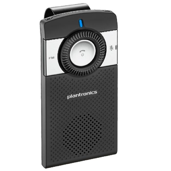 Plantronics K100, Black спикерофонK100Автомобильный Bluetooth спикерфон Plantronics K100. Телефонные гарнитуры для разнообразных мобильных устройств все больше завоевывают популярность у пользователей. Во время работы, занятий спортом, управлении автомобилем гарнитуры становятся просто незаменимыми спутниками. Компания Plantronics предлагает большой выбор беспроводных Bluetooth гарнитур и проводных гарнитур с разнообразными разъемами. Plantronics K100 оснащен двумя встроенными микрофонами и технологией цифровой обработки звука (Digital Signal Processing), которая обеспечивает высококачественную обработку звука, очищая его от окружающего шума и помех и позволяя вашему собеседнику четко слышать ваш голос. Система эхоподавления обрабатывает звук в обоих направлениях (входящий и исходящий), а высококачественный динамик избавляет от необходимости вслушиваться, пытаясь разобрать речь собеседника. В K100 также имеется поддержка технологии A2DP, позволяющей воспроизводить музыку, подкасты, GPS-навигацию и...