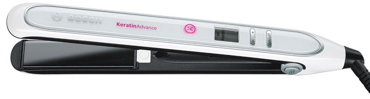 Bosch PHS5987, White выпрямитель для волосPHS5987Выпрямитель для волос Bosch PHS5987 с технологией KeratinAdvance защищает структуру волос и поддерживает их здоровый вид. Плавающие пластины с анодированным покрытием позволяют равномерно распределять тепло по всей длине волос, обеспечивая бережное и эффективное выпрямление. Автоматическая функция ионизации способствует уменьшению статического электричества, делая волосы гладкими, блестящими и послушными, а плавная регулировка температуры позволяет подобрать оптимальный режим работы прибора, который будет идеально соответствовать вашему типу волос, позволяя достичь наилучшего результата. Размер пластин: 110 мм х 25 мм Покрытие рабочей зоны: анодированное Быстрый нагрев: 25 секунд Автоматическое отключение: через 72 минуты