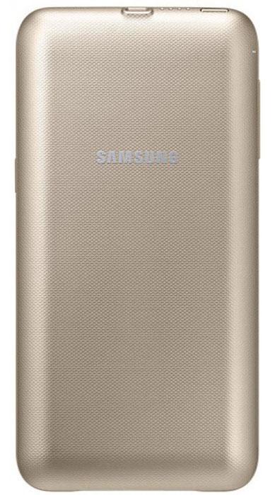 Samsung EP-TG928 чехол-аккумулятор для Galaxy S6 Edge+, GoldEP-TG928BFRGRUС беспроводным внешним аккумулятором Samsung EP-TG928 заряжать Galaxy S6 Edge+ стало проще, чем когда-либо. Не нужно подключать кабель к смартфону или носить с собой дополнительные устройства - достаточно разместить смартфон в корпусе чехла-аккумулятора, включить питание и зарядка начнётся автоматически Эксклюзивно разработанный для Samsung Galaxy S6 edge+, тонкий (толщиной всего 7,2 мм) чехол-аккумулятор защитит корпус смартфона от ударов, царапин и других внешних повреждений. Вы можете мгновенно проверить уровень остаточного заряда внешнего аккумулятора. Просто нажмите кнопку - четыре светящихся индикатора означают полный заряд, а один мигающий означает, что батарея требует подзарядки. Индукционный способ беспроводной зарядки мобильного устройства.