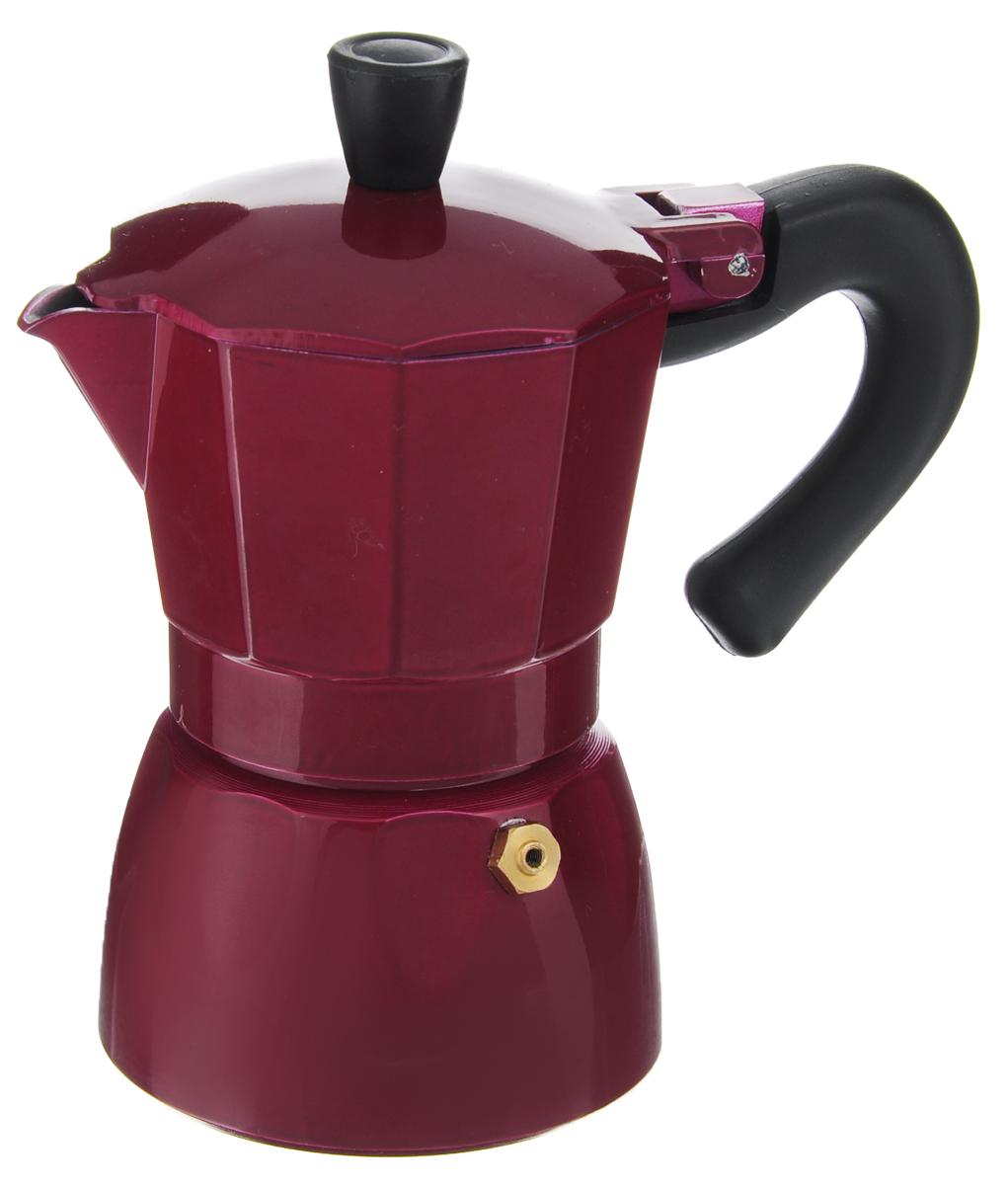 Эспрессо-кофеварка гейзерного типа Calve, на 2 порцииCL-1520_ красныйЭспрессо-кофеварка гейзерного типа Calve изготовлена из алюминия и оснащена жаропрочной бакелитовой ручкой. Основной принцип работы гейзерной кофеварки состоит в том, что кофе заваривается путем прохождения горячей воды или пара через слой молотого кофе. В нижний отсек заливается вода до необходимого уровня, в средний отсек-фильтр засыпается молотый кофе (лучше выбирать кофе более крупного помола, так как кофе слишком мелкого помола может забить фильтр кофеварки), все части тщательно закрываются, кофеварка ставится на плиту и через пять минут ароматный кофе готов. В гейзерной кофеварке можно заваривать чаи и различные травяные сборы. Можно мыть в посудомоечной машине. Диаметр (по верхнему краю): 7,5 см. Высота кофеварки: 14 см.