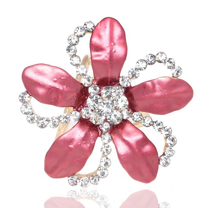 Кольцо для платка/шарфа 'Николь'. Цветная эмаль, прозрачные кристаллы и стразы, бижутерный сплав золотого тона. Гонконг
