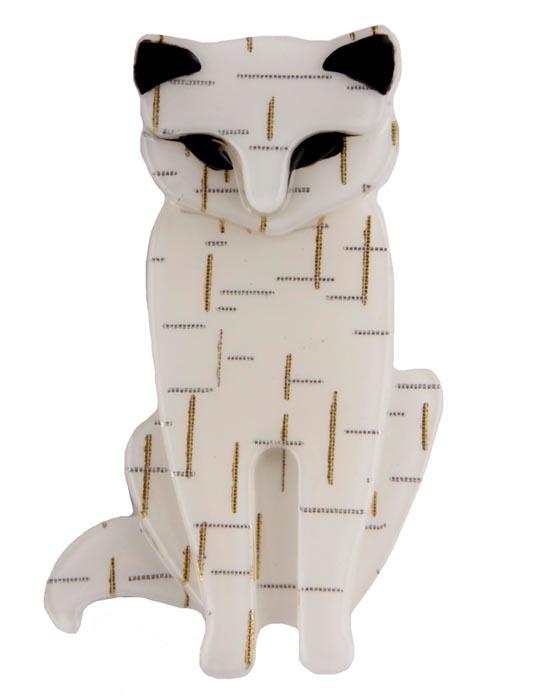Брошь Белый кот. Бижутерный сплав, пластик, эмаль. Китай, конец ХХ векаT-B-10869-BROOCH-SILVERБрошь Белый кот. Бижутерный сплав, пластик, эмаль. Китай, конец XX века. Размеры 6 х 3,5 см. Сохранность хорошая. Очаровательная брошь, выполненная в виде сидящего кота. Аксессуар украшен эмалью черного цвета. Эта забавная брошь станет оригинальным украшением для ярких индивидуальностей. Отличный повседневный аксессуар.