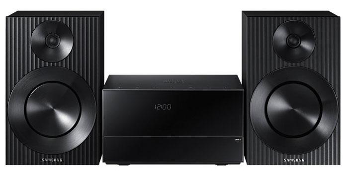 Samsung MM-J320 музыкальный центрMM-J320/RUМузыкальный центр Samsung MM-J320 с функцией TV Sound Connect и усилителем Crystal Amp Pro, а также поддержкой Bluetooth. Функция TV Sound Connect: Соедините свой телевизор с микросистемой через Bluetooth с помощью функции TV Sound Connect. В беспроводном режиме вы можете воспроизводить музыку с телевизора через свой музыкальный центр без использования проводов, благодаря чему вид вашей комнаты не будет испорчен жгутами соединительных кабелей. Управляйте обеими устройствами с помощью одного телевизионного пульта ДУ. Усилитель Crystal Amp Pro: Микросистема создавалась для воспроизведения высококачественного звука. Благодаря технологии Crystal Amp Pro и усовершенствованной системе обратной связи обеспечивается удивительная чистота и естественность звучания. Включение микросистемы со смартфона через Bluetooth: Благодаря поддержке Bluetooth, вы можете легко включить свою микросистему с помощью смартфона в удаленном...