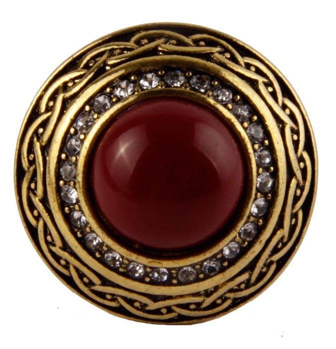 Кольцо Сапфо в византийском стиле. Металл, австрийские кристаллы, искусственные камни. Конец XX векаBR77KL91Кольцо Сапфо в византийском стиле. Металл, австрийские кристаллы, искусственные камни. Конец XX века. Размер 18. Сохранность хорошая. Изящное украшение выполнено в ярко выраженном византийском стиле. Основным элементом украшения является крупный искусственный камень бордового цвета. Представленное вашему вниманию изделие отличается высоким уровнем мастерства исполнения, оригинальным авторским дизайном. Этот аксессуар станет изысканным украшением для романтичной и творческой натуры и гармонично дополнит Ваш наряд, станет завершающим штрихом в создании образа.