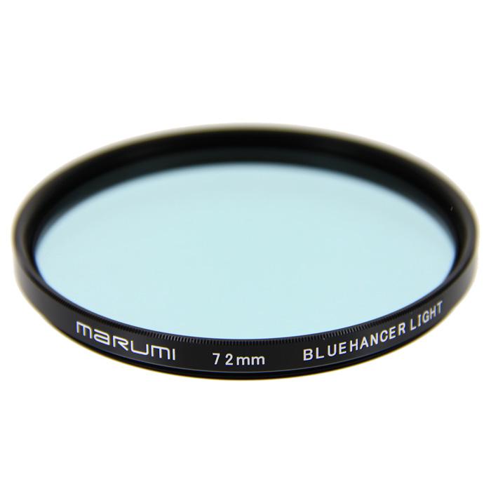 Marumi BlueHancer Light цветоусиливающий фильтр (72 мм)55HZE2AMarumi BlueHancer Light - спектральный цветоусиливающий фильтр, работающий по методу спектрального резонанса. Он сохраняет прежнюю насыщенность цветов, и только тот, на который настроен - усиливает. BlueHancer Light чисто и сочно усиливает цвета синей части спектра. Также полезен в облачный день или при съемке в контровом освещении в студии.