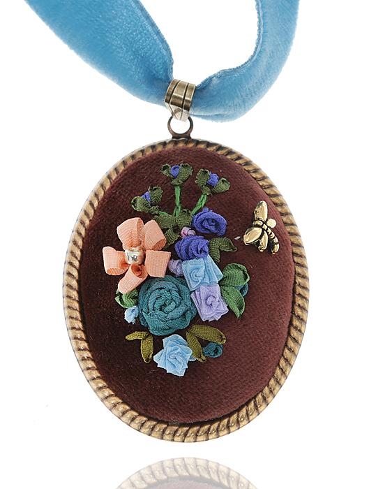 """Дарина Шайденко Кулон """"Фантазия"""" на бархатной ленте в стиле рококо. Натуральный шелк, бархат, французская вышивка, ювелирный сплав"""