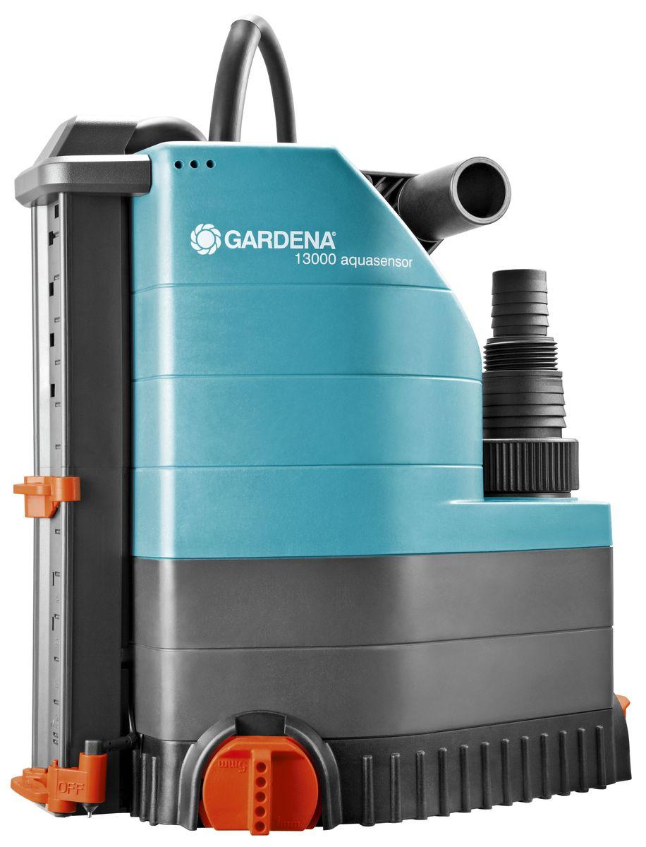 Насос дренажный Gardena 13000 Aquasensor Comfort, для чистой воды01785-20.000.00Только представьте, что в ваше отсутствие подвальный этаж затопило. Избежать подобных сюрпризов поможет дренажный насос 13000 аquasensor Comfort GARDENA. Встроенный датчик уровня воды aquasensor обеспечивает автоматическое включение насоса, когда вода достигает уровня в 5 мм, после чего начинается быстрая и эффективная откачка воды. Благодаря этому ваш дом даже в ваше отсутствие будет защищен от существенных повреждений. Как правило, уровень воды, при котором происходит включение и выключение насоса, плавно регулируется. Поворотное основание насоса обеспечивает возможность откачивания воды до минимального остаточного уровня в 1 мм, то есть практически досуха. Это самый удобный и безопасный способ откачки воды. Компактная конструкция насоса обеспечивает удобство его использования даже на узких участках. Насос позволяет эффективно откачивать или перекачивать чистую или слегка загрязненную воду с содержанием загрязняющих частиц диаметром до 5 мм. Надежный корпус...