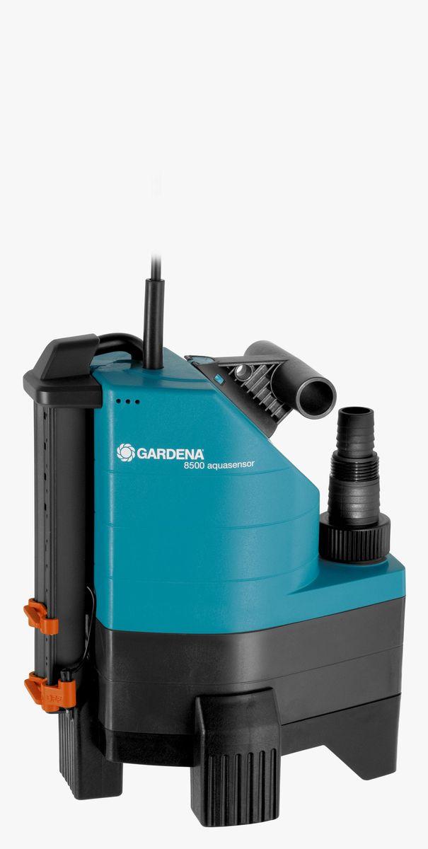 Насос дренажный Gardena 8500 Aquasensor Comfort, для грязной воды01797-20.000.00Иногда вода может появиться там, где ее не должно быть, например, в подвале или возле стиральной машины, либо вам необходимо просто откачать или перекачать воду. Дренажный насос GARDENA идеально подходит для быстрой перекачки чистой или загрязненной воды с диаметром до 30 мм. Благодаря наличию силового кабеля длиной 10 м, практичный и надежный насос может использоваться для выполнения различных задач даже на очень большой глубине. Встроенный датчик уровня воды aquasensor обеспечивает автоматическое включение насоса, когда вода достигает уровня 65 мм, после чего начинается быстрая и эффективная откачка воды. Надежный корпус насоса, выполненный из армированного стекловолокном пластика, износостойкое рабочее колесо насоса и малошумный, не требующий технического обслуживания конденсаторный двигатель с термовыключателем для защиты от перегрузок, гарантируют длительный срок эксплуатации насоса. Наличие универсального соединителя позволяет подключать к насосу шланг ...