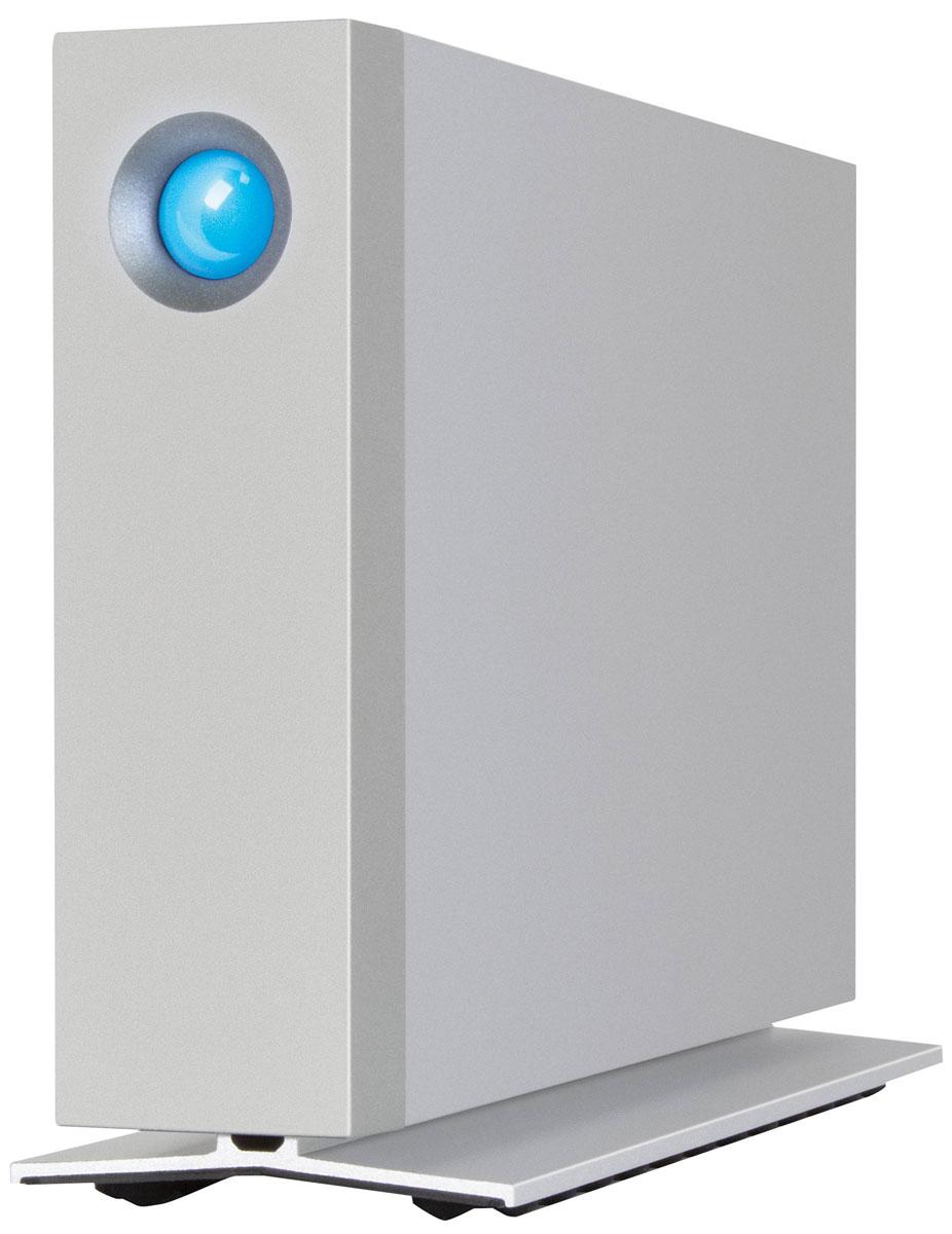 LaCie d2 4TB внешний жесткий диск9000443LaCie d2 представляет собой внешний жесткий диск, имеющий частоту вращения шпинделя 7200 об/мин, а также высокоскоростной интерфейс передачи данных USB 3.0. Он предназначен для надежного хранения данных и различного рода медиафайлов. Также предоставляет возможность резервного копирования огромного количества файлов за считанные секунды. Винчестер заключен в корпус из теплоотводящего и высокопрочного алюминия, который обеспечивает не только эффектный внешний вид, но и превосходную теплоотдачу, защищая устройство от перегрева. LaCie d2 идеален для интеграции в профессиональное сетевое окружение, например, студии звукозаписи, редакции газеты, телестудии и т. п. - любого места, где крайне важна сохранность данных и быстрый доступ к ним. Внешний жесткий диск отличается молниеносными скоростями передачи данных до 5 Гб/с, что вдвое быстрее того, что предлагает технология FireWire 800, и в четыре раза быстрее интерфейса USB 2.0. Теперь вы можете ...