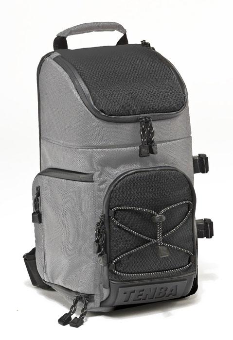 Tenba Shootout Sling Medium, Silver Black рюкзак для фотооборудованияRivaCase 8930 (PU) blackВместительный рюкзак Tenba Shootout Sling Medium с эксклюзивным дизайном защитит Ваше оборудование от неблагоприятных внешних условий, а благодаря небольшому весу, он будет хорошим помощником в путешествиях. Вмещает в себя 1-2 камеры, 3-4 объектива, вспышку и аксессуары; камеру с установленным телеобъективом до 300 мм, также предусмотрена возможность крепления штатива или монопода. Место для дополнительного объектива Ручка для переноски Плечевой ремень Дождевик