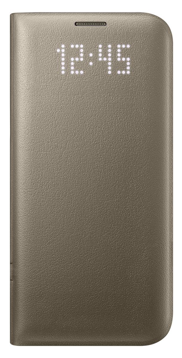Samsung EF-NG935 LED View Cover чехол для Galaxy S7 Edge, GoldEF-NG935PFEGRUЧехол Samsung EF-NG935 LED View Cover выглядит как обыкновенный чехол, но стоит вам получить уведомление, как оно моментально отобразится на его лицевой поверхности. Главной особенностью чехла является встроенный светодиодный дисплей, позволяющий посмотреть время или проверить уровень заряда аккумулятора не раскрывая чехол. Вы также можете присвоить специальные иконки различным контактам, чтобы моментально определить, кто вам звонит. Достаточно просто провести пальцем по поверхности чехла, где размещён светодиодный дисплей, чтобы принять или сбросить входящий вызов, выключить будильник или таймер. Дизайн чехла ещё никогда не был настолько продуман. Экран смартфона моментально включится, как только вы откроете чехол, и погаснет сразу как вы его закроете. Помимо этого, внутри имеется специальное отделение, которое можно использовать для хранения визиток или банковских карт.