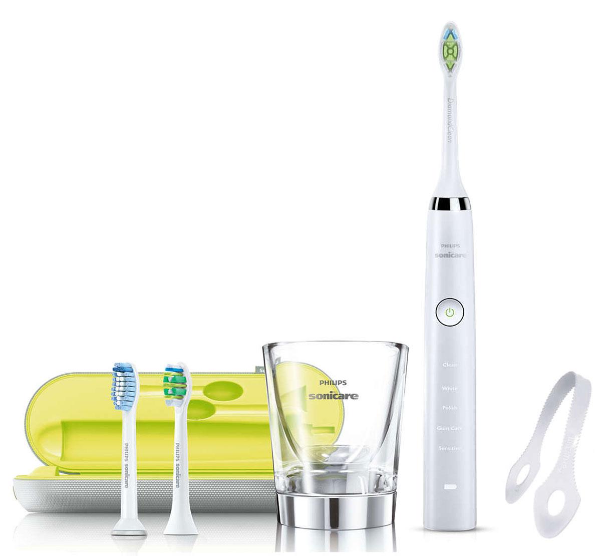 Philips HX9332/35 Sonicare DiamondClean электрическая зубная щеткаHX9332/35Электрическая зубная щетка Philips Sonicare DiamondClean удаляет в 7 раз больше налета в труднодоступных местах по сравнению с обычной зубной щеткой. Она гарантирует оптимальную чистку между зубами и вдоль десен и улучшает состояние десен всего за две недели. Превосходно справляется с чисткой межзубных промежутков и удаляет значительно больше налета по сравнению с обычной зубной щеткой. Philips Sonicare DiamondClean возвращает зубам естественную белизну в 2 раза эффективнее по сравнению с обычной зубной щеткой. Превосходный результат уже после одной недели использования. Она удаляет на 100 % больше потемнений с зубной эмали и делает вашу улыбку белоснежной и сияющей! DiamondClean — это лучшие чистящие насадки Philips Sonicare для отбеливания зубов. Щетина в форме ромба бережно и эффективно удаляет потемнения с эмали и борется с налетом. Всего за одну неделю можно удалить потемнения, появившиеся вследствие потребления кофе, чая, красного вина, сигарет и...