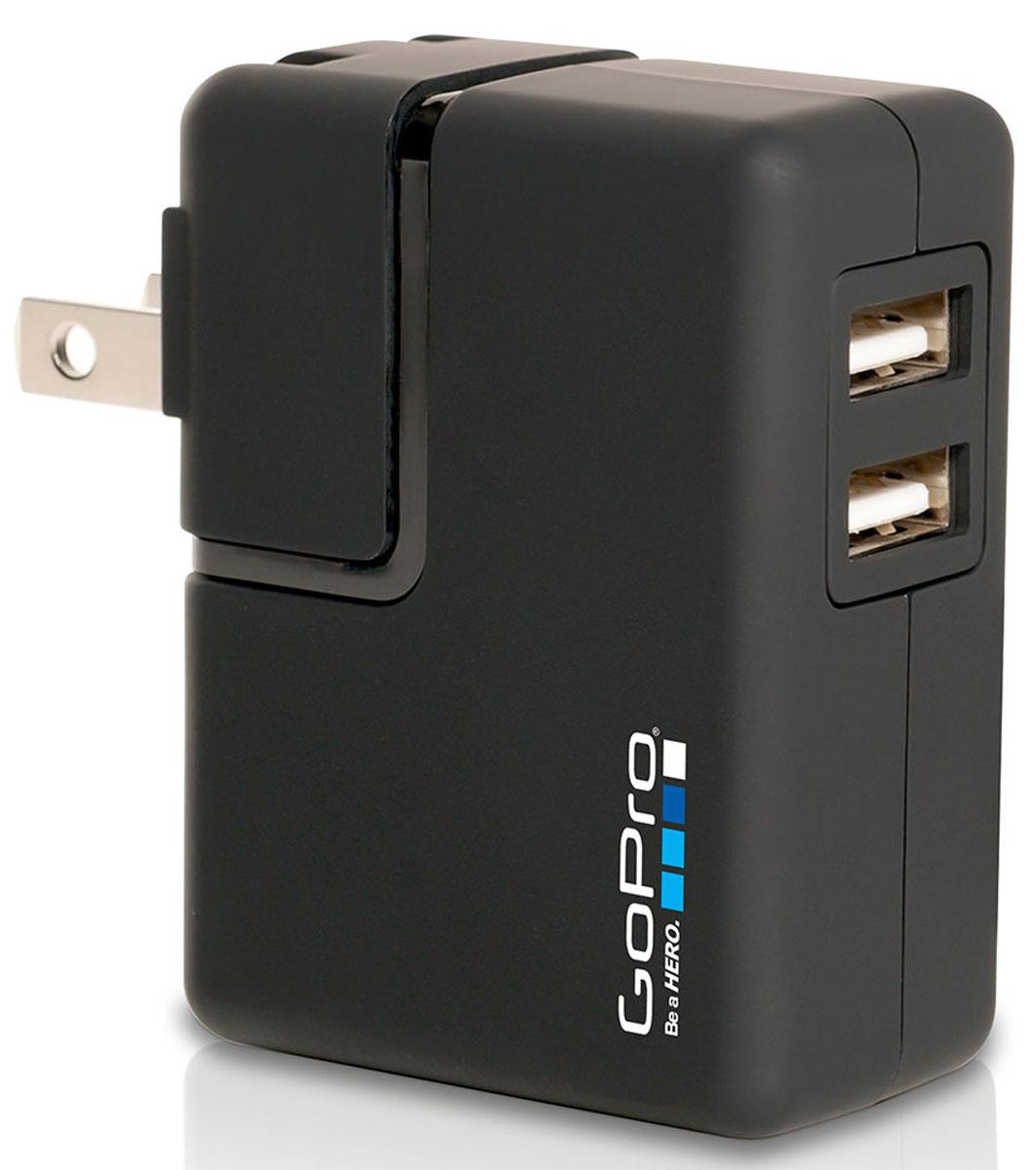 GoPro Wall Charger сетевое зарядное устройствоAWALC-001Заряжайте две камеры одновременно в любой точке земного шара! Сетевое зарядное устройство GoPro Wall Charger обеспечивает зарядку вашей GoPro в два раза быстрее, чем от USB, компьютера или ноутбука. Несомненный плюс Wall Charger - это возможность записи фотографий и видеороликов, в том числе во время зарядки. Данная модель включает в себя адаптер переменного тока для Соединенных Штатов Америки, Соединенного Королевства Великобритании, Европейского союза и Африканского союза. Возможно использование со многими устройствами, работающим через USB. Процесс зарядки абсолютно безопасен и прост в эксплуатации.