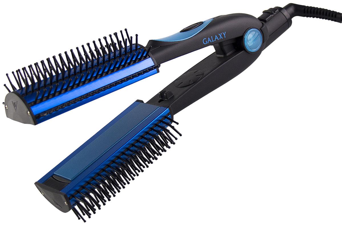 Galaxy GL 4511 щипцы для волос4630003367310Щипцы-расческа Galaxy GL 4511 обеспечивают бережную укладку и объем за счет использования керамического покрытия рабочей поверхности. Широкие пластины и высокая температура нагрева способствуют укладке волос любой длины и густоты. Рабочая поверхность не пересушивает и не повреждает структуру волос, сохраняя волосы здоровыми и блестящими. Съемные насадки-расчески открывают широкую палитру возможностей для экспериментов с прической. Стильный дизайн и потрясающая эргономика не оставят равнодушной ни одну красавицу. Доступная стоимость и экономичный расход энергии позволяют уверенно проводить перед зеркалом намного больше времени, экспериментируя и создавая собственный уникальный образ.