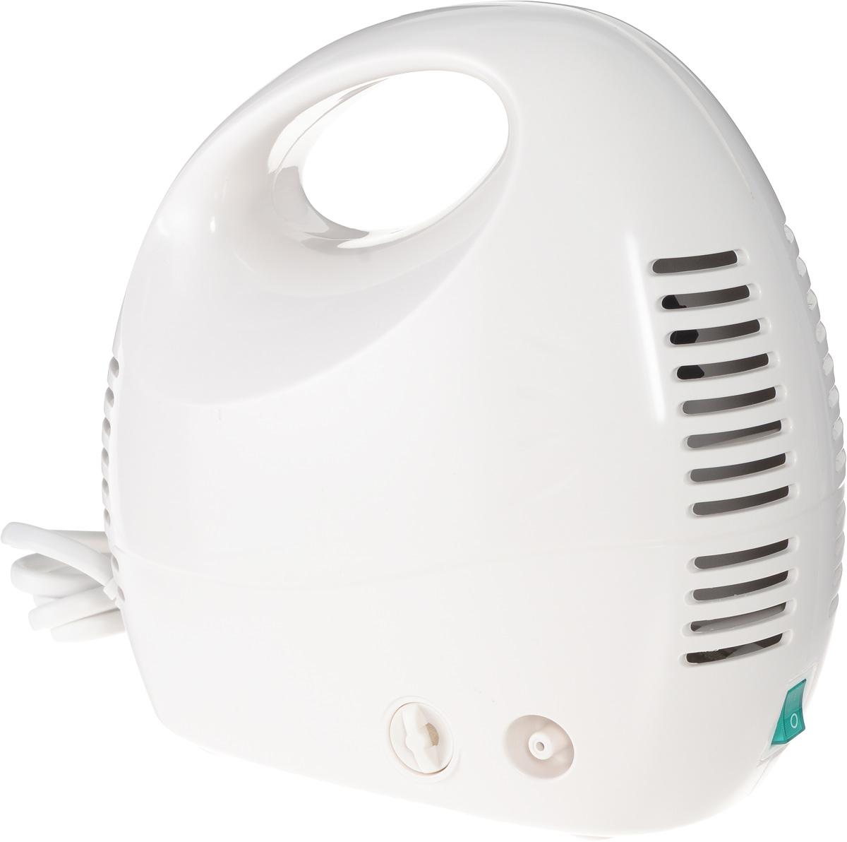 Алмаз MCN-600МА Effect компрессорный ингаляторMCN-600МА (Effect)Ингалятор Алмаз MCN-600МА Effect является эффективным медицинским прибором в связи с реализацией классического принципа устройства компрессора. Ингалятор состоит из пластмассового корпуса и распылительной камеры, соединенной с ним гибким шлангом. В корпусе установлен поршневой компрессор, который создает избыточное давление воздуха, подаваемого по гибкому шлангу в распылительную камеру. Конструктивно камера - это пластмассовая емкость для лекарства с устройством для его распыления потоком воздуха. Данная модель предназначена для профилактики и лечения различных заболеваний дыхательных путей с помощью ингаляций. Прибор создает мелкодисперсный аэрозоль из водорастворимых лекарственных препаратов для проведения ингаляций. Частицы аэрозоля имеют размер в среднем, 3 мкм, благодаря чему они достигают различных отделов дыхательных путей. Образование аэрозоля в ингаляторе происходит при прохождении потока воздуха под давлением, создаваемым компрессором,...