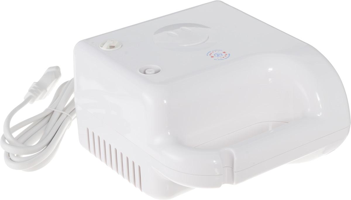 Алмаз MCN-600А Life компрессорный ингаляторMCN-600А (Life)Компрессорный ингалятор Алмаз MCN-600А Life является базовой моделью, которая производится уже много лет, хорошо себя зарекомендовала и пользуется большим спросом. Ингалятор состоит из пластмассового корпуса и распылительной камеры, соединенной с ним гибким шлангом. В корпусе установлен поршневой компрессор, который создает избыточное давление воздуха, подаваемого по гибкому шлангу в распылительную камеру. Конструктивно камера - это пластмассовая емкость для лекарства с устройством для его распыления потоком воздуха. Данная модель предназначена для профилактики и лечения различных заболеваний дыхательных путей с помощью ингаляций. Прибор создает мелкодисперсный аэрозоль из водорастворимых лекарственных препаратов для проведения ингаляций. Частицы аэрозоля имеют размер в среднем, 3 мкм, благодаря чему они достигают различных отделов дыхательных путей. Образование аэрозоля в ингаляторе происходит при прохождении потока воздуха под давлением,...