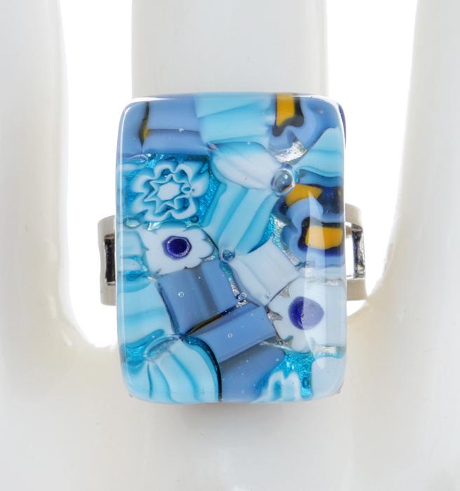 Кольцо коктейльное Небесные цветы. Муранское стекло, бижутерный сплав серебряного тона, ручная работа. Murano, Италия (Венеция)T-B-5931-RING-SILVERКольцо коктейльное Небесные цветы. Муранское стекло, бижутерный сплав серебряного тона, ручная работа. Murano, Италия (Венеция). Размер регулируется. Каждое изделие из муранского стекла уникально и может незначительно отличаться от того, что вы видите на фотографии.