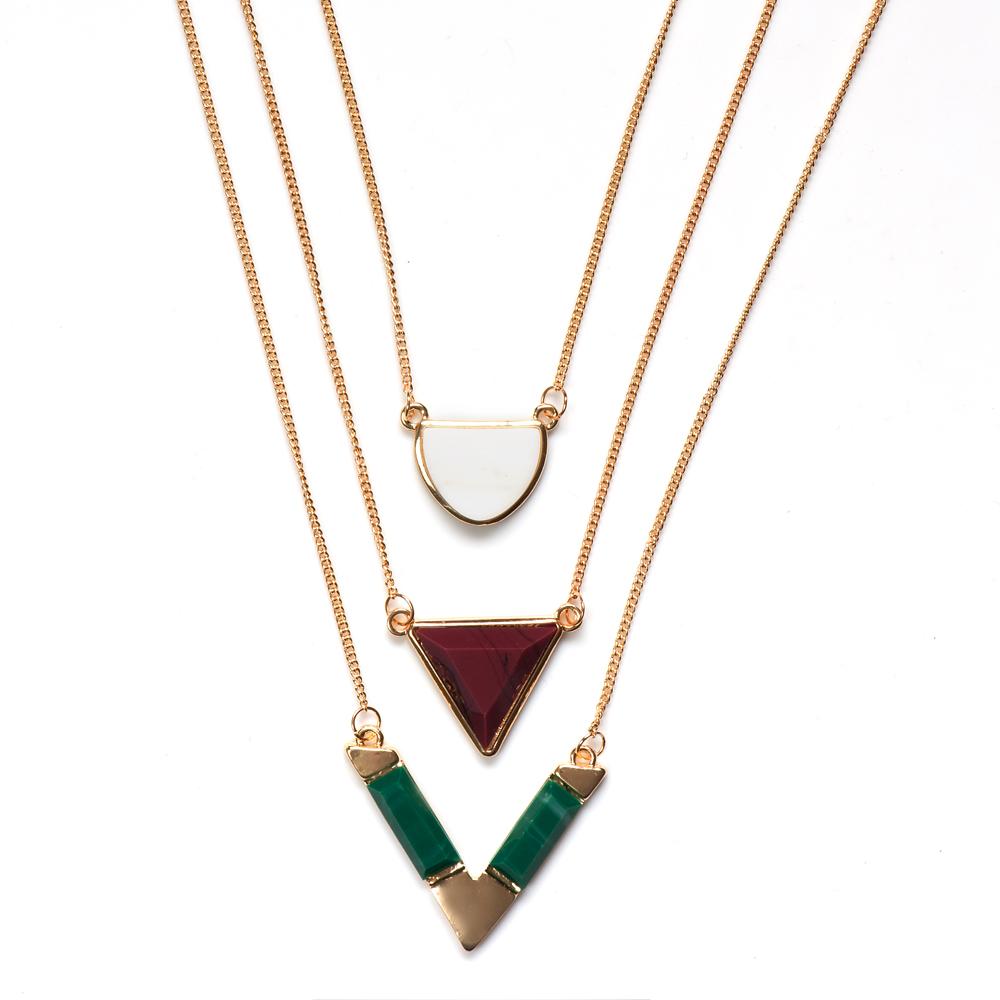 Колье жен. Selena Street Fashion, цвет: белый, бордовый, зеленый. 1009933110099331Ювелирная смола. Гальваническое покрытие: золото.