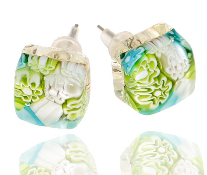 Серьги-пусеты Весна. Муранское стекло, бижутерный сплав серебряного тона, ручная работа. Murano, Италия (Венеция)004-0987Серьги-пусеты Весна. Муранское стекло, бижутерный сплав серебряного тона, ручная работа. Murano, Италия (Венеция). Размер - 1 х 1 см. Каждое изделие из муранского стекла уникально и может незначительно отличаться от того, что вы видите на фотографии.
