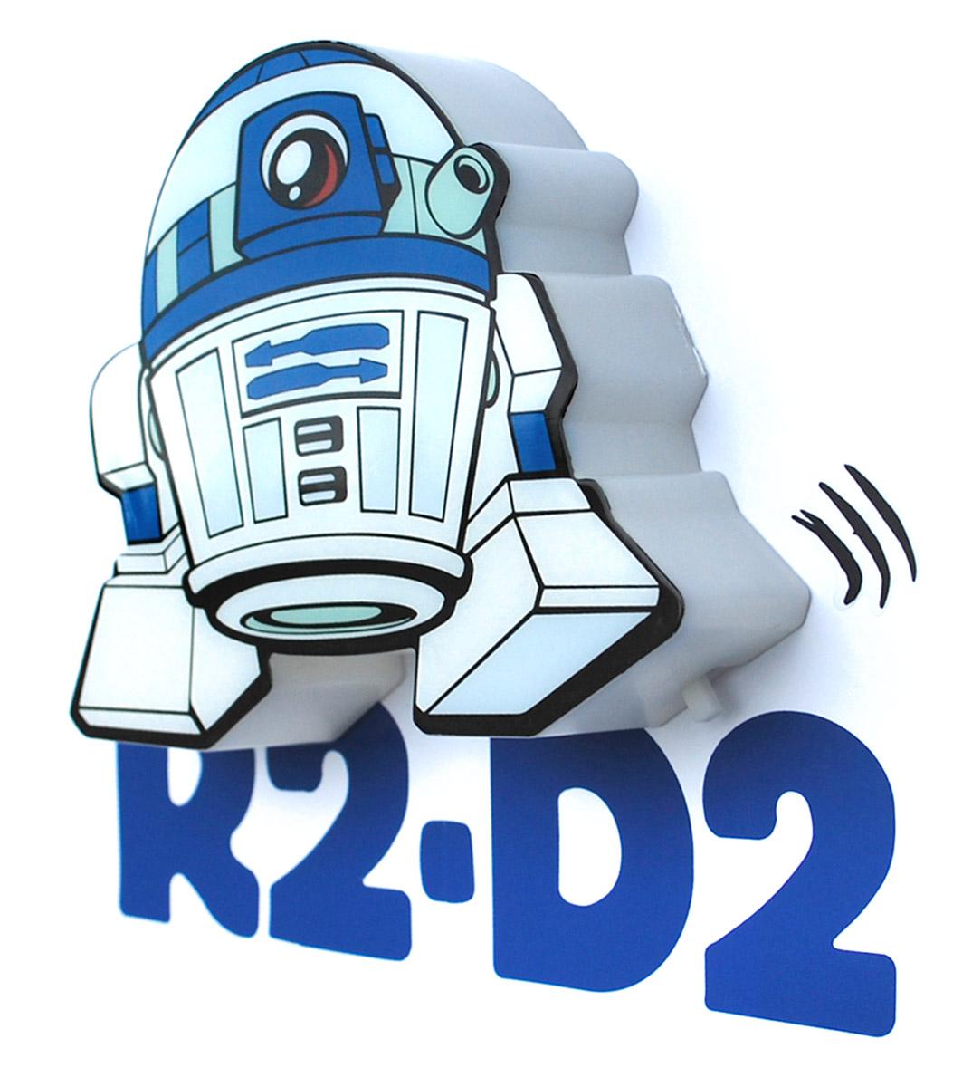 Star Wars Пробивной 3D мини-светильник R2-D250017120Безопасный: без проводов, работает от батареек (2хААА, не входят в комплект); Не нагревается: всегда можно дотронуться до изделия; Реалистичный:3D наклейка в комплекте; Фантастический: выглядит превосходно в любое время суток; Удобный: простая установка (автоматическое выключение через полчаса непрерывной работы). Товар предназначен для детей старше 3 лет. ВНИМАНИЕ! Содержит мелкие детали, использовать под непосредственным наблюдением взрослых. Страна происхождения: Китай. Дизайн и разработка: Канада.