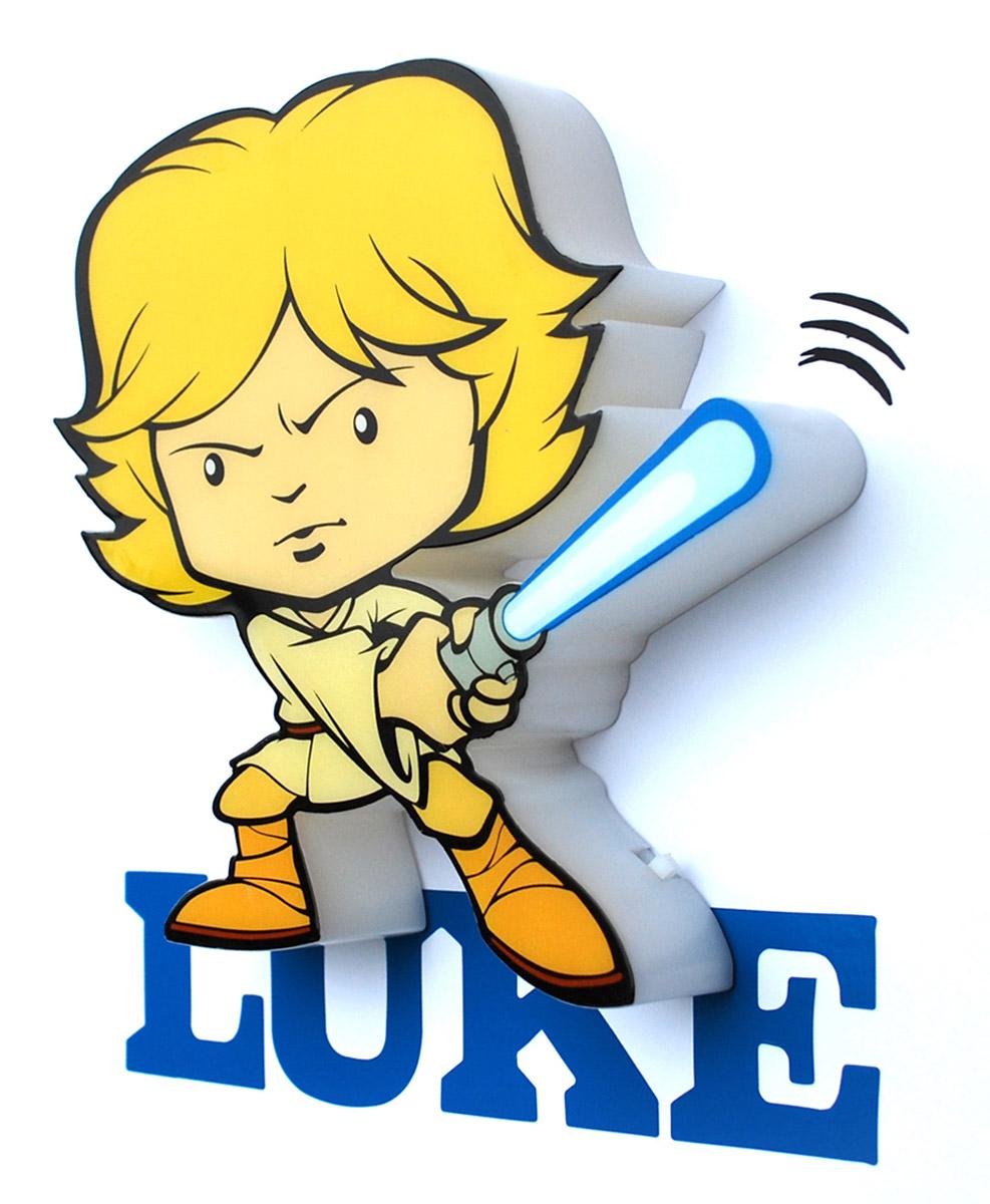 Star Wars Пробивной 3D мини-светильник Люк Скайуокер50016120Безопасный: без проводов, работает от батареек (2хААА, не входят в комплект); Не нагревается: всегда можно дотронуться до изделия; Реалистичный:3D наклейка в комплекте; Фантастический: выглядит превосходно в любое время суток; Удобный: простая установка (автоматическое выключение через полчаса непрерывной работы). Товар предназначен для детей старше 3 лет. ВНИМАНИЕ! Содержит мелкие детали, использовать под непосредственным наблюдением взрослых. Страна происхождения: Китай. Дизайн и разработка: Канада.
