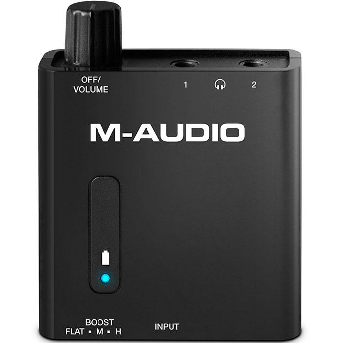 M-Audio Bass Traveler, Black портативный усилитель для наушниковBASSTRAVELERM-Audio Bass Traveler - портативный усилитель для наушников, который выделяется достаточно низкой ценой и миниатюрными размерами. Bass Traveler можно использовать с компьютером и различными мобильными устройствами, такими как iPad или iPod. Устройство идеально подойдёт для использования практически со всеми наушниками, имеющими импеданс от 16 до 100 Ом. На корпусе располагаются пара разъемов 3,5 мм для наушников, а также 3-позиционный переключатель Boost рядом с аналоговым входом. Регулятор громкости совмещен с выключателем питания. На светодиодном индикаторе демонстрируется состояние заряда и питания аккумулятора. За продолжительную работу отвечает встроенная литий-полимерная аккумуляторная батарея.