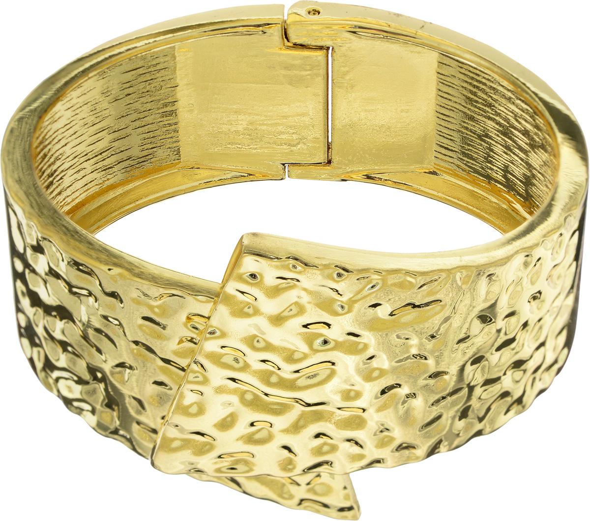 Браслет Taya, цвет: золотистый. T-B-10839-BRAC-GOLDT-B-10839-BRAC-GOLDБраслет современного дизайна Taya изготовлен из металлического сплава. Лицевая часть изделия оформлена декоративным рельефом. Оригинальный браслет придаст вашему образу изюминку, подчеркнет красоту и изящество вечернего платья или преобразит повседневный наряд.
