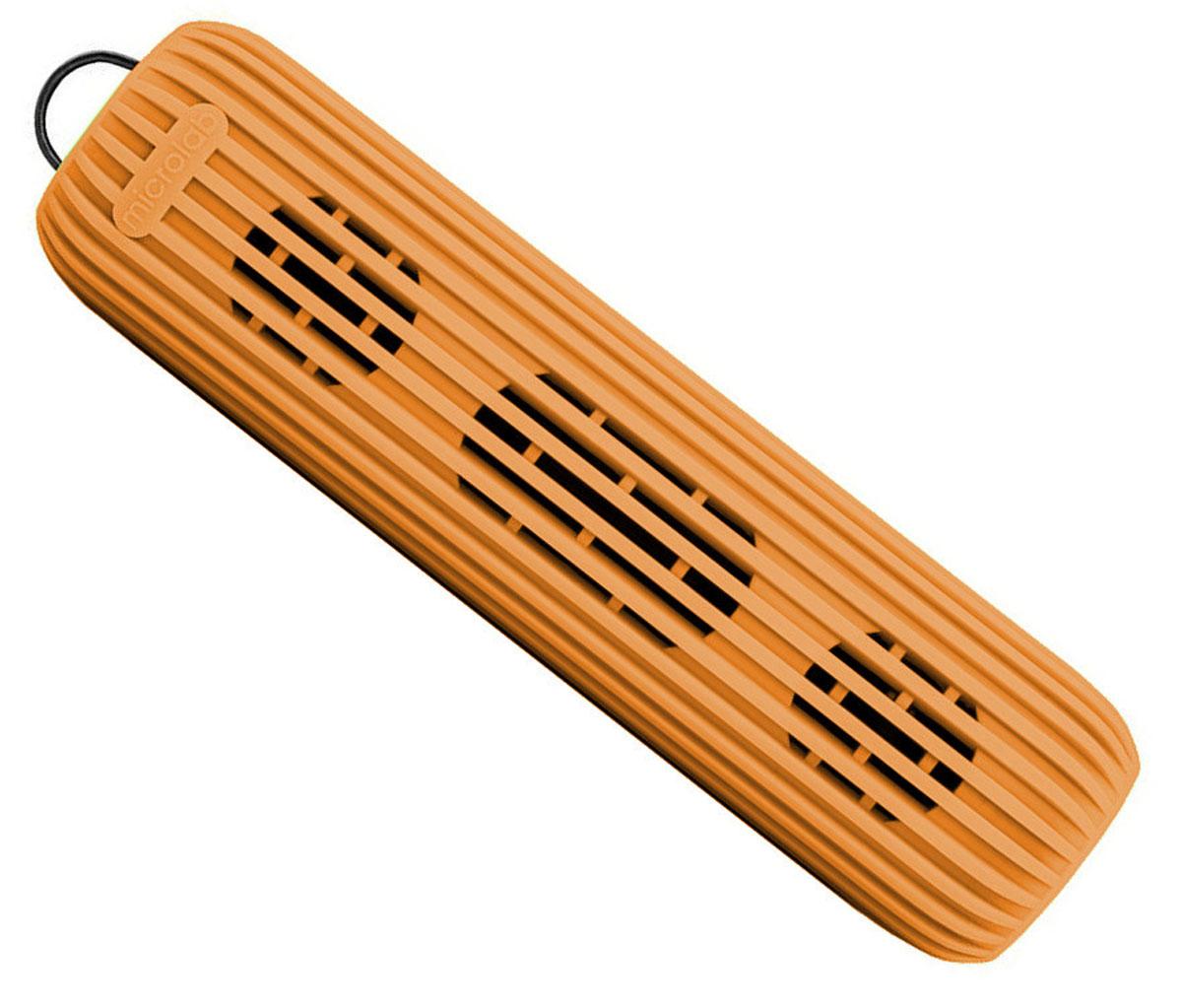 Microlab D21, Orange портативная акустическая система80530Акустическая система необычной формы и дизайна ориентирована на людей, ведущих активный образ жизни. D21 способна стать прекрасным спутником как на небольшом пикнике на природе, так и в долгом походе. Благодаря силиконовому покрытию корпуса, сателлит прощает слушателю небольшие ударные воздействия, а также прекрасно переносит как росу, так и небольшой дождик, что наряду с пылью, может стать фатальным для других портативных акустических систем. Небольшие размеры обеспечивают портативность системы, она не занимает много места и поместится в любом рюкзаке или сумке, а идущий в комплекте шнурок способен закрепить сателлит в походном варианте, позволяя избежать потери колонки. В Bluetooth-режиме при входящем звонке на телефон, можно ответить на звонок через сателлит. Благодаря встроенному в колонку микрофону, телефон искать не обязательно. Колонка способна воспроизводить музыку без источника звука. Чтобы послушать музыку, вам не обязательно ...