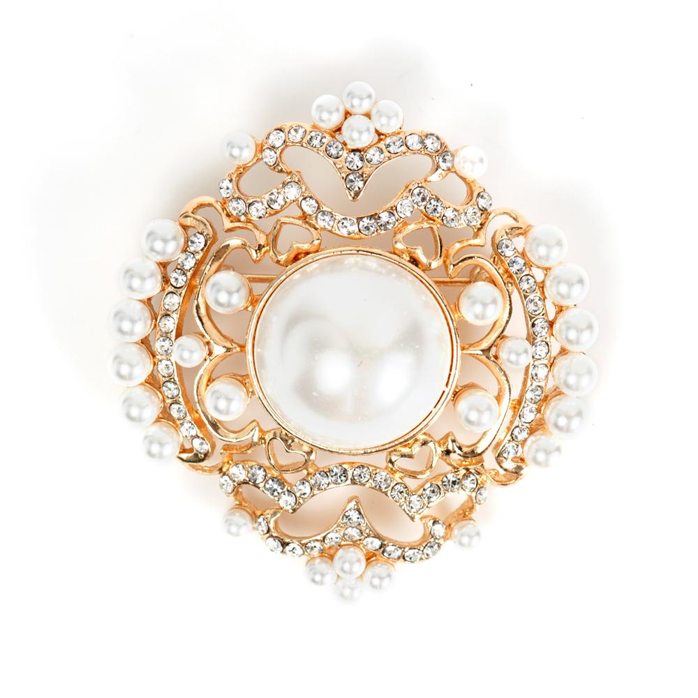 Брошь Selena Street Fashion, цвет: белый. 3002697030026970Искусственный жемчуг, кристаллы Preciosa, латунь. Гальваническое покрытие: золото., длина броши 4.5 см ширина 4 см